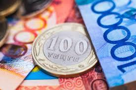 Курс доллара в Казахстане обновил исторический максимум и составил 322 тенге