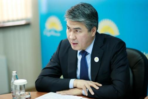 В 2015 году на СЭЗ будет реализовано 2 проекта легкой промышленности на 4,4 млрд тенге - Исекешев