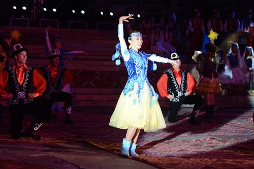 Кыргыз бийи (2)