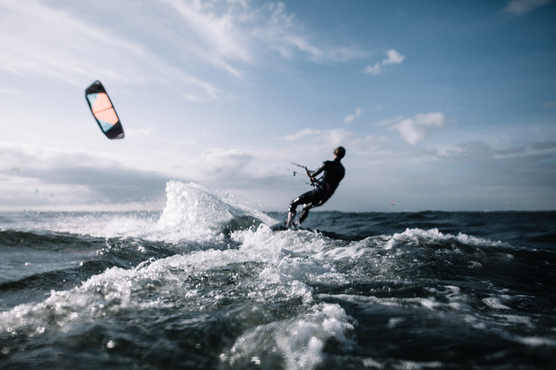 canva-person-wakeboarding-MADGxt84EdQ