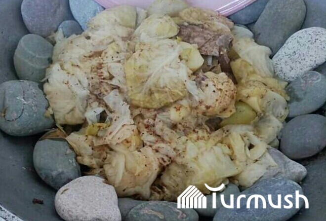 Naryn residents cook Kyrgyz traditional dish
