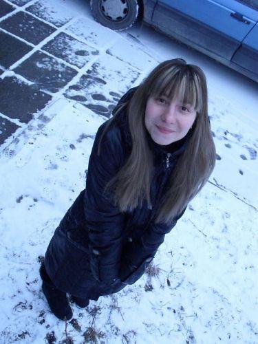 Брррр очень холодно-Настя