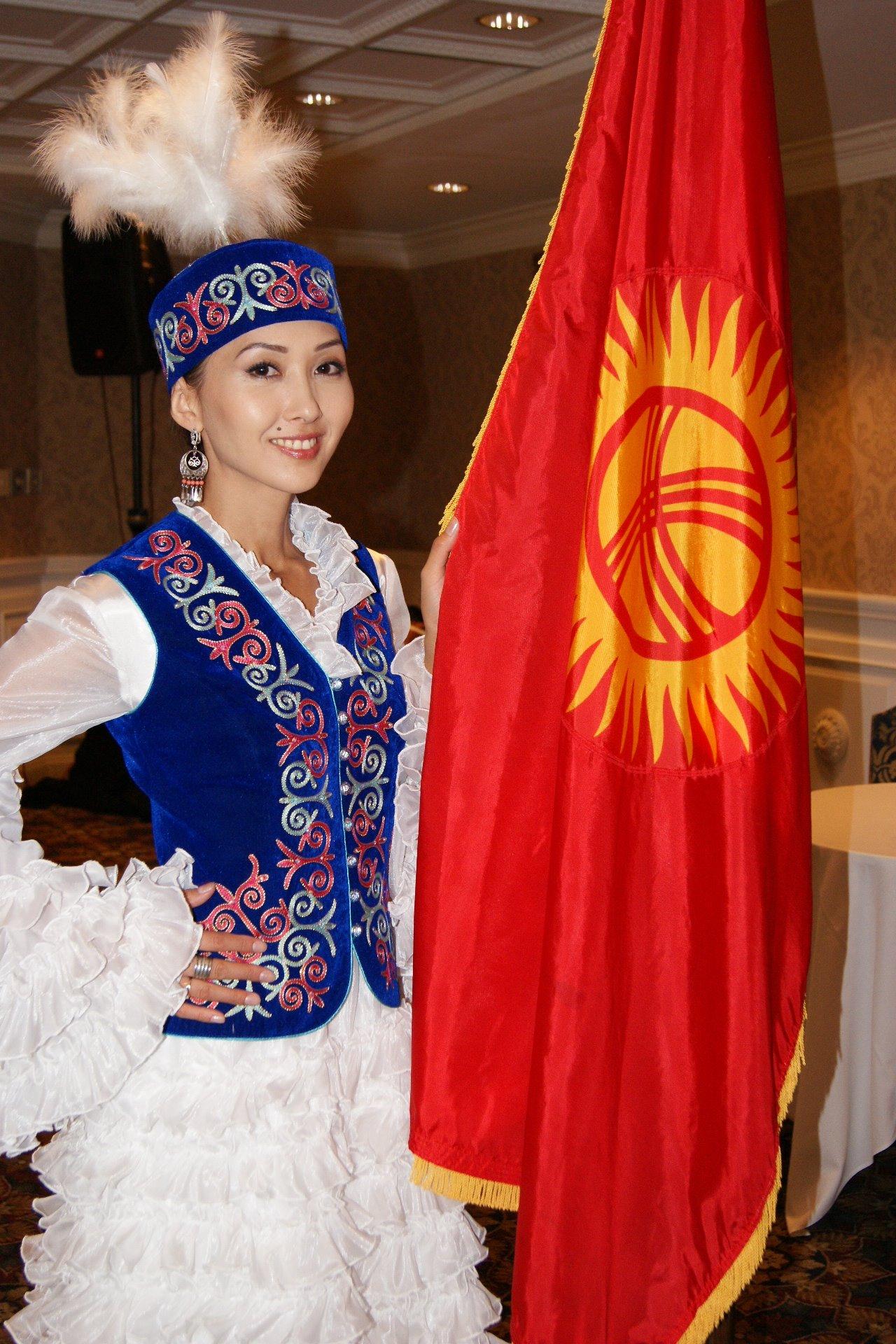 Старинная одежда кыргызских женщин ...