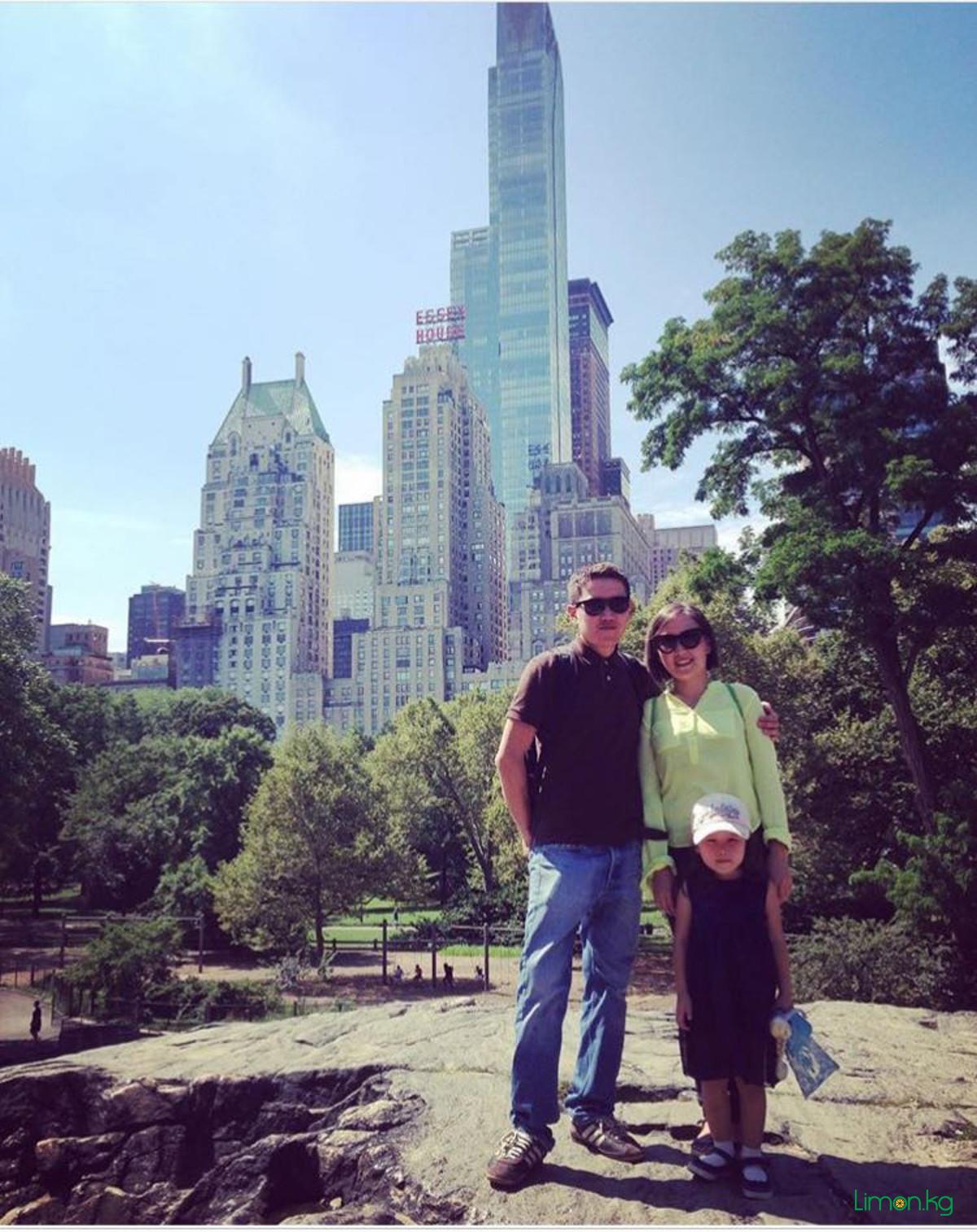 с супругом и дочерью в Центральном Парке