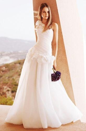 Роскошные платья для невест и дружек.