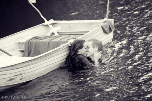 однажды мой отец катал меня на лодке с парусом