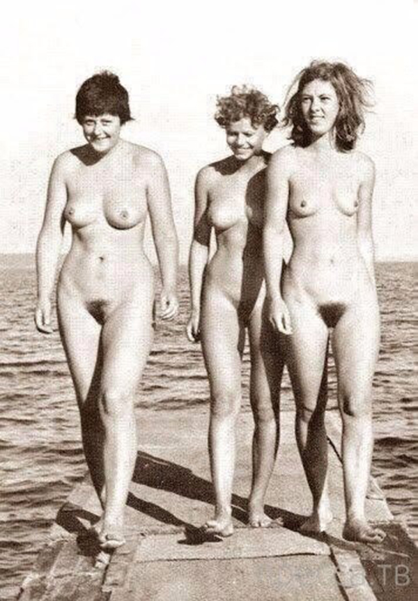 Ангела Меркель в рядах нудистского движения 60-х годов