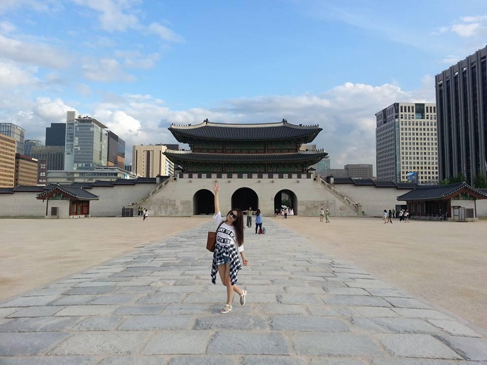 Главные ворота дворца Кенбоккун,  Сеул
