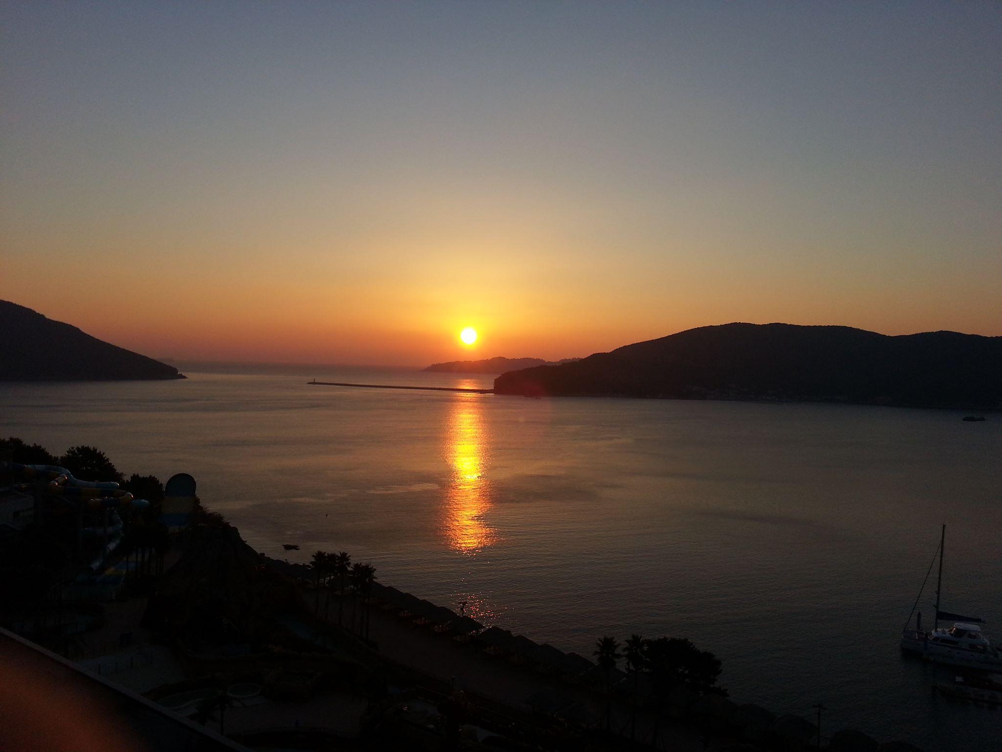Рассвет на острове Годжедо, Ю.Корея