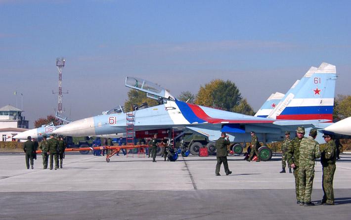 Открытие авиабазы в Канте 2003 (1)
