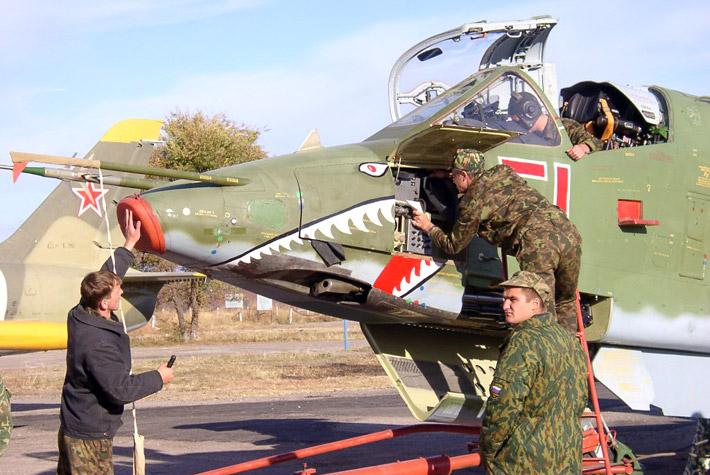 Открытие авиабазы в Канте 2003
