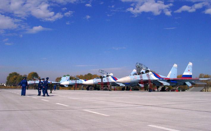 Открытие авиабазы в Канте 2003 (15)