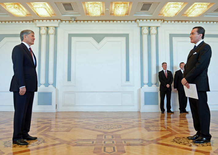 Посол Мексики в Кыргызстане Улисес Канчола Гутьеррас