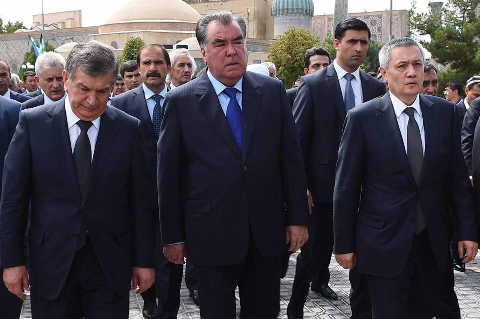 Эксперт: Потепление в отношениях Таджикистана с Узбекистаном- это всего лишь предвыборная агитация