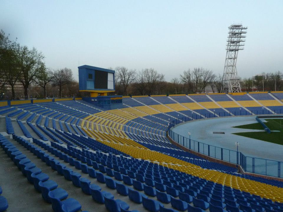 http://static.akipress.org/127/.storage/sport/images/futbol/Stadion/Stadiony_Azii/4c27fd45cc9e20f05055ee38b262ac82.jpg