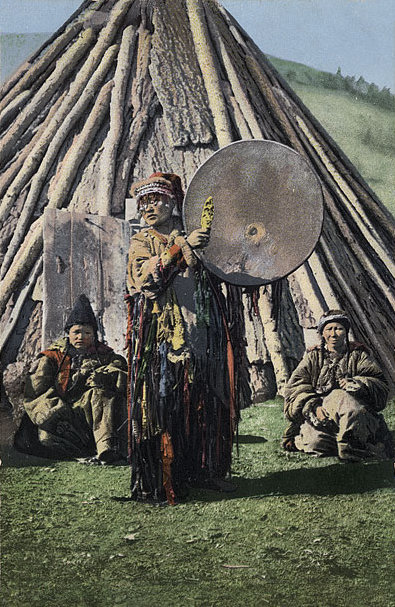 Altay_shaman_with_drum