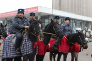 Around 1,000 people participated in the parade, including veterans of police forces, officers of police departments, Road Patrol Service, mounted police, special task force, citizen patrols, district authorities, representatives of private security agencies and public organizations.
