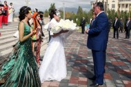Festive carnival on the occasion of the 90th anniversary of Dushanbe's status of Tajik capital was held on October 19 with President Emomali Rahmon's participation.