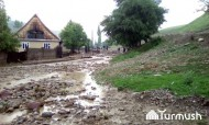 In Kashka-Suu village, 7 houses have been flooded and 70 others are under the flood threat today. 2,365 meters of internal roads and 250 meters of canal were struck by mudflows.