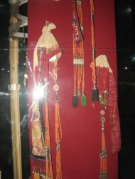 For example, young unmarried girls used to wear <i>chachkep</i> – a special fabric headdress made in the form of a cap. Long strands of coral beads and silver pendants were attached.