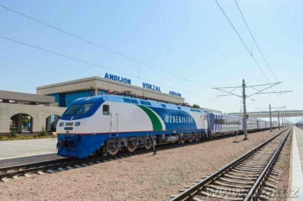 В Узбекистане запущен первый пассажирский поезд Ташкент-Андижан через перевал Камчик