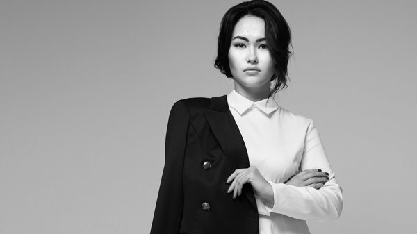 Кыргызстанка А.Калыкова представила свою коллекцию на Moscow Fashion Week <i>(фото)</i>