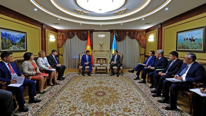 Назарбаев принял глав правительств государств-членов ЕврАзЭС