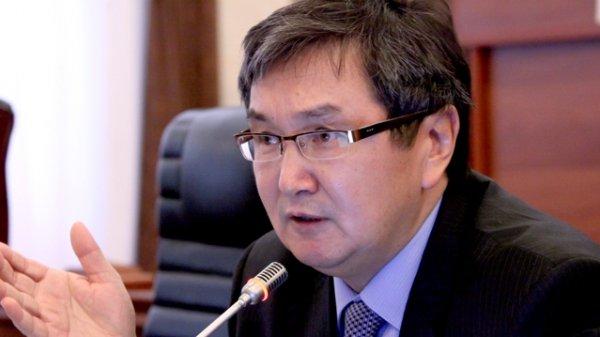 Политика комбанков сравнялась с политикой ломбардов, - экс-глава НБКР М.Султанов