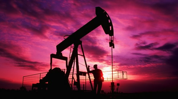 Нефть дорожает в ожидании встречи ОПЕК в Вене