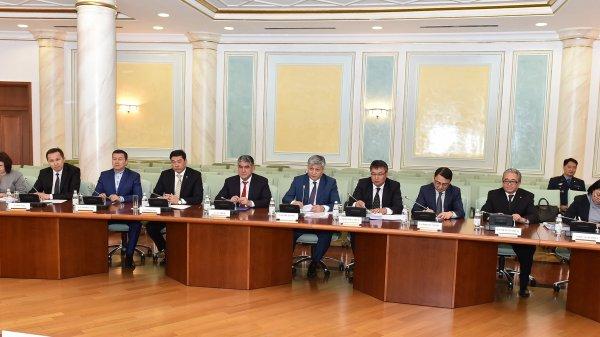 Жители Кыргызстана получат право находиться вКазахстане без регистрации 30 дней