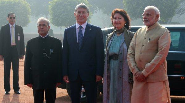Алмазбек Атамбаев встретился сПремьер-министром Индии Нарендрой Моди