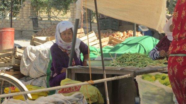 В Туркменистане вслед за увеличением заработной платы на 10%, повысились цены на продукты и коммунальные услуги