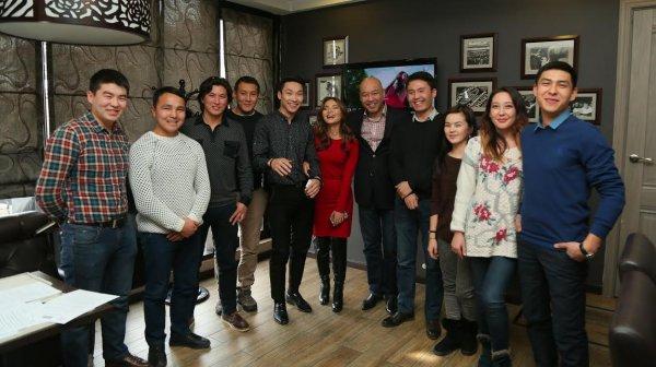 Кыргызстанские певцы запишут песни, которые войдут в музыкальный альбом кыргызско-французского фильма «Парижский мост»