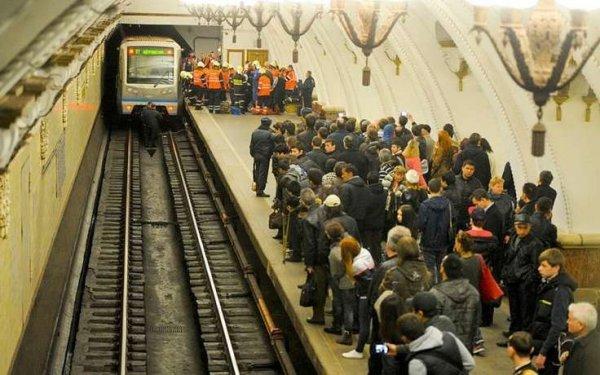 Задержан столкнувший гражданина Узбекистана под поезд в Петербурге