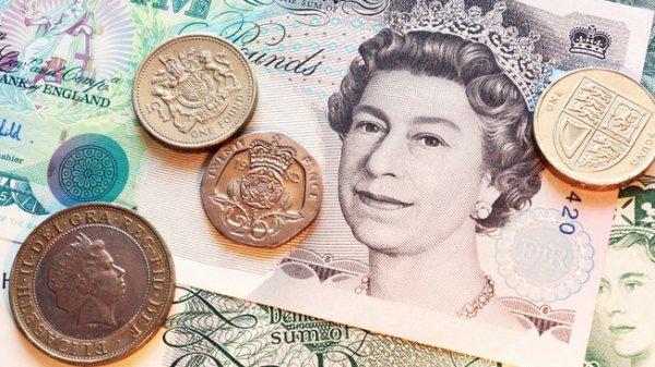 Фунт стал худшей валютой октября