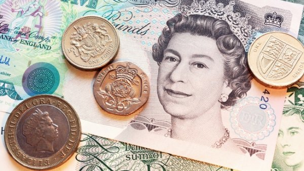 Британский фунт упал до 31-летнего минимума
