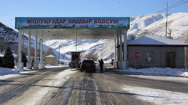 Натрассе Бишкек-Ош ограничено движение для большегрузных машин