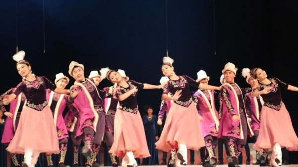 Филармония им.Т.Сатылганова проводит праздничный концерт в честь своего 80-летия