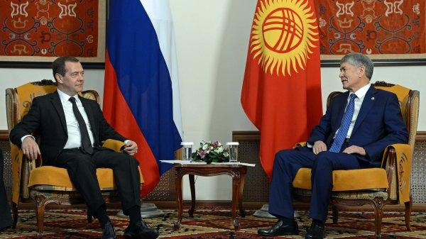 ВКыргызстан прибыл 1-ый заместитель премьера Узбекистана Рустам Азимов