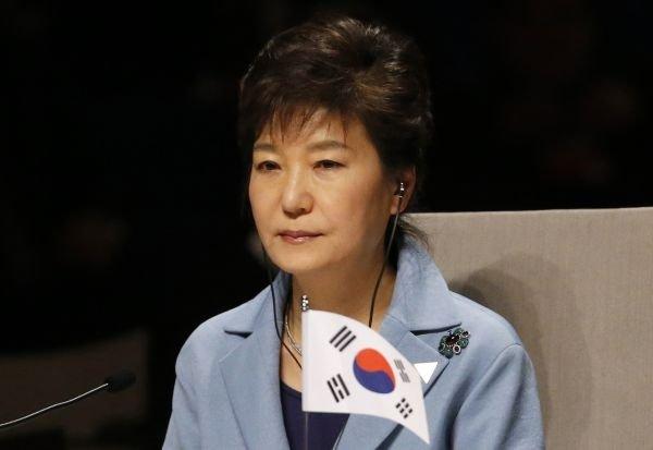 Прокуратура Южной Кореи объявила о причастности президента Пак Кын Хе к коррупционной схеме