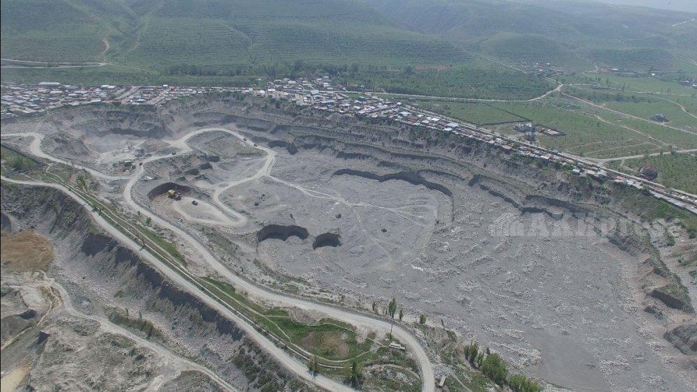 Как появилась гигантская воронка на окраине Бишкека?