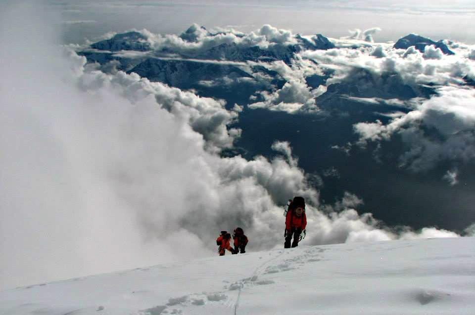 Кыргызстанцы на пути к вершине Ама-Даблам / Фото: Н.Гутник