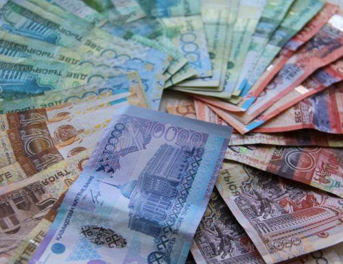 Нацбанк Казахстана прокомментировал сообщения об отказе принимать банкноты 2006 года
