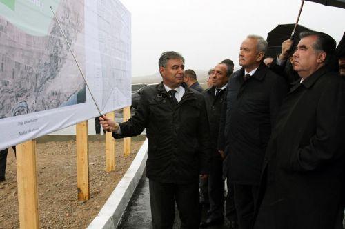 Президент Таджикистана заложил новый город