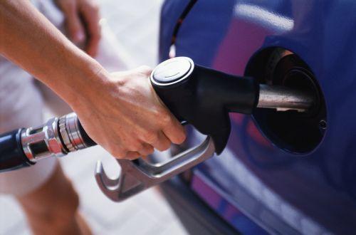 Саудовская Аравия и ОАЭ значительно сократят импорт бензина в 2016 году