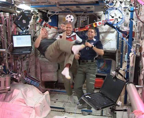 ISS_Astronauts_Wish_FIFA_World_Cup_Brazil_AP_650x531