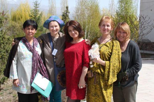 Участники  тренинга на Иссык куль Россия, Узбекистан, Кара колпак