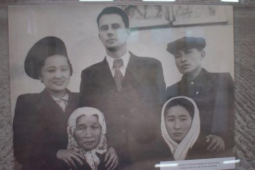 Токтогул Сатылгановдун үй-бүлөсү, кызы Гүлсара