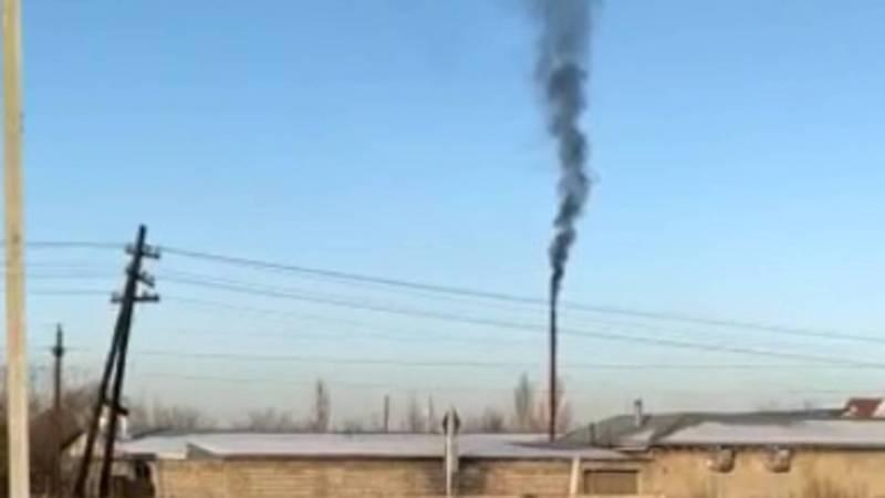 Горожанин просит проверить, чем топят здание на Л.Толстого-Валиханова?