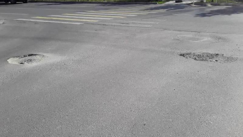 Дорога, которую отремонтировали 2 года назад, снова нуждается в ремонте, - горожанин